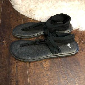 Sanuk Shoes - Sanuk black sandals sz 10